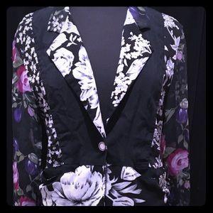 Tops - This vintage style Contempto black floral blouse